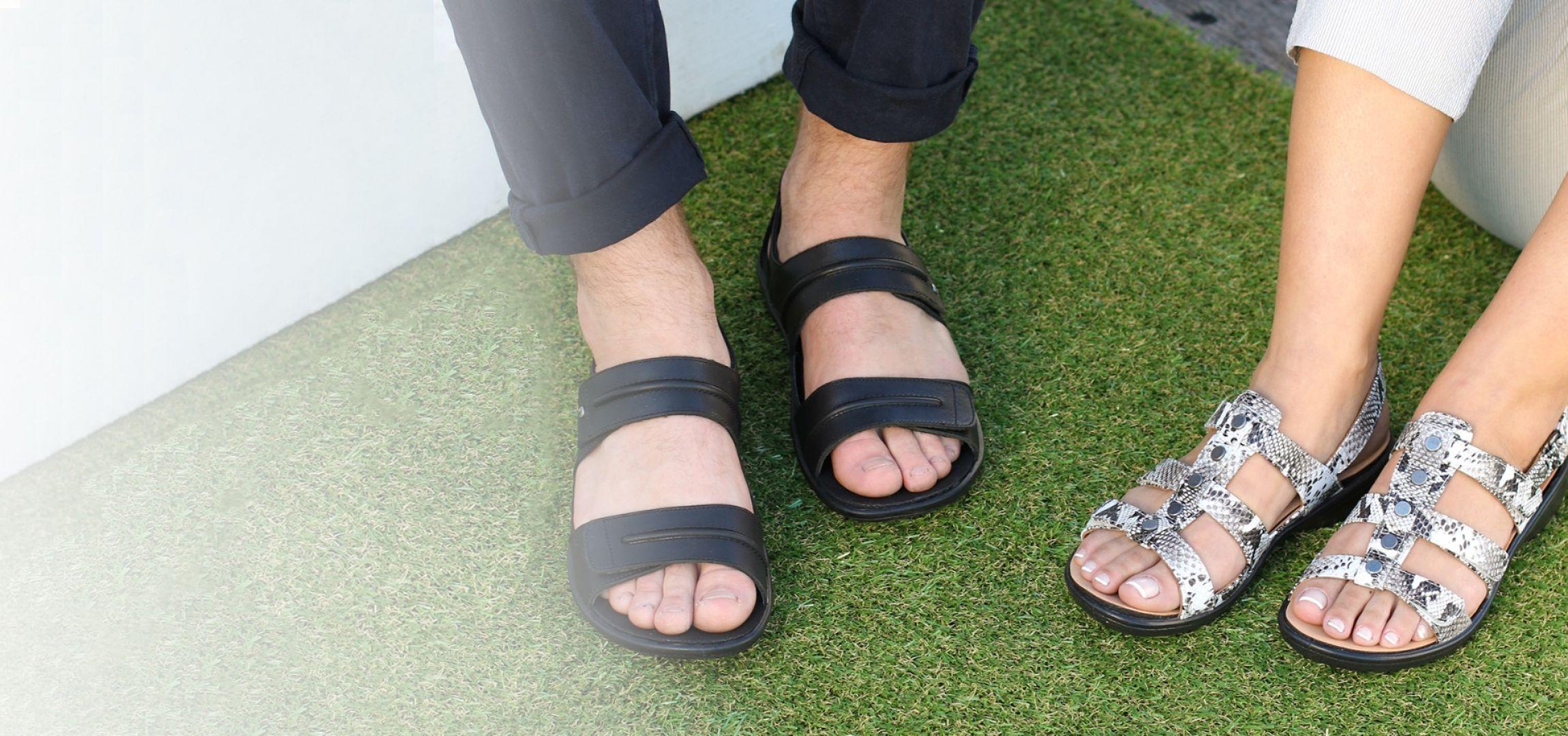 /women/sandals.html
